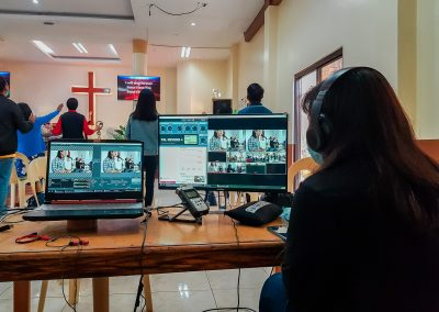 Helping churches to setup multicam broadcast system using cellphone and bydget equipments (1)
